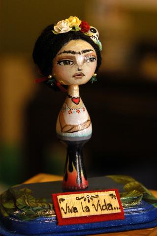 Viva La Vida Frida by Lov Struk